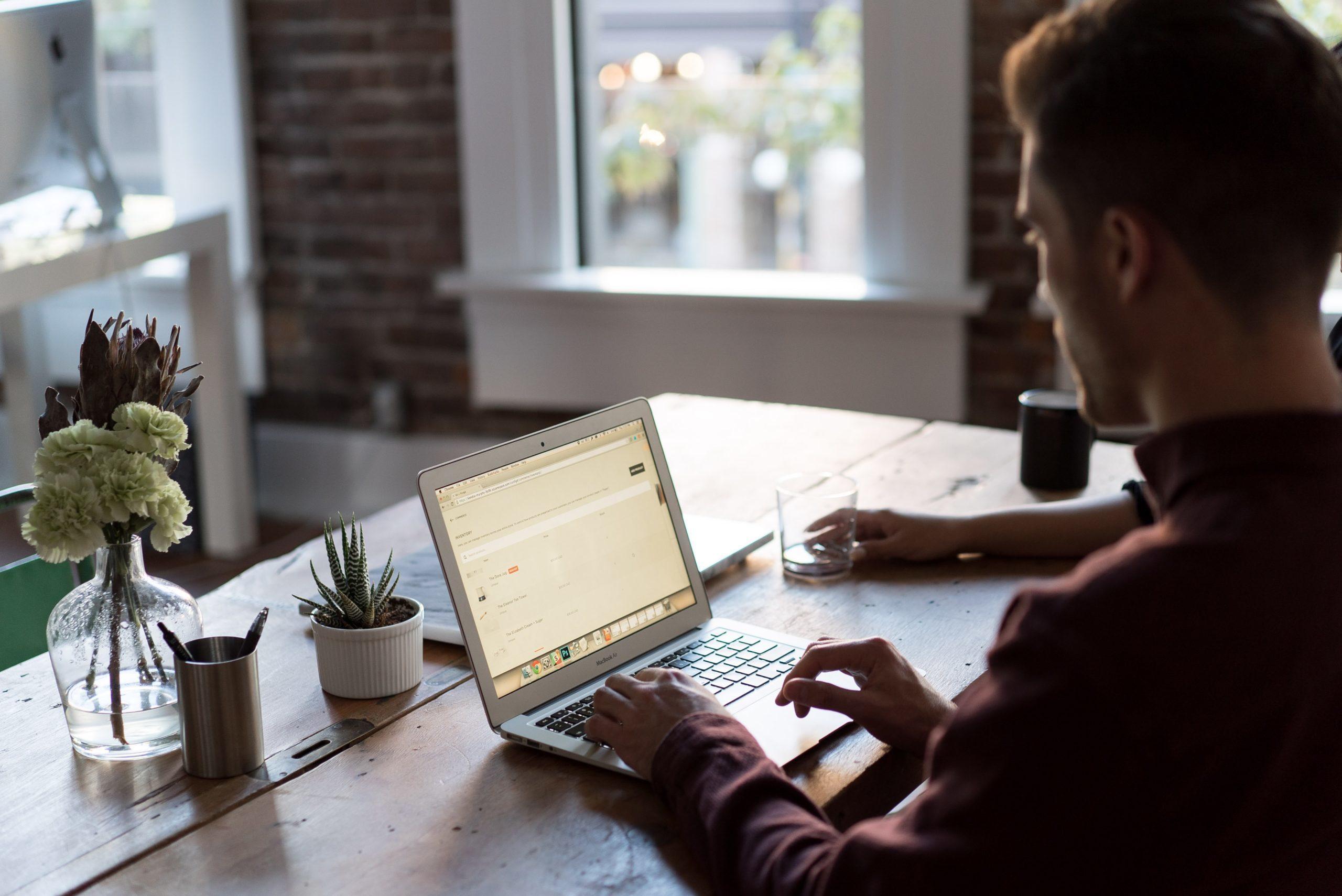 10 Vorteile von Online-Befragungen