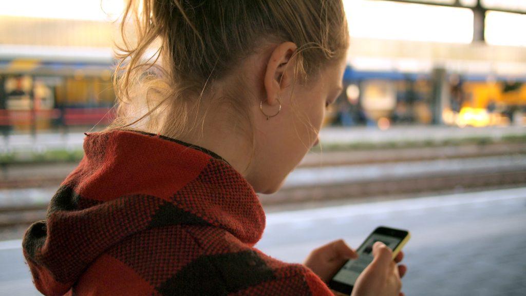 Onlinebefragungen sind auf dem Mobiltelefon schnell erledigt