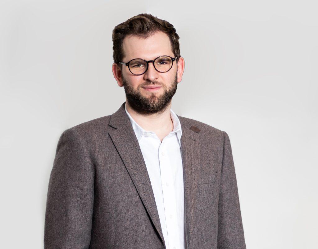 Ole Scharpen - customer relationsship manager at online survey platform