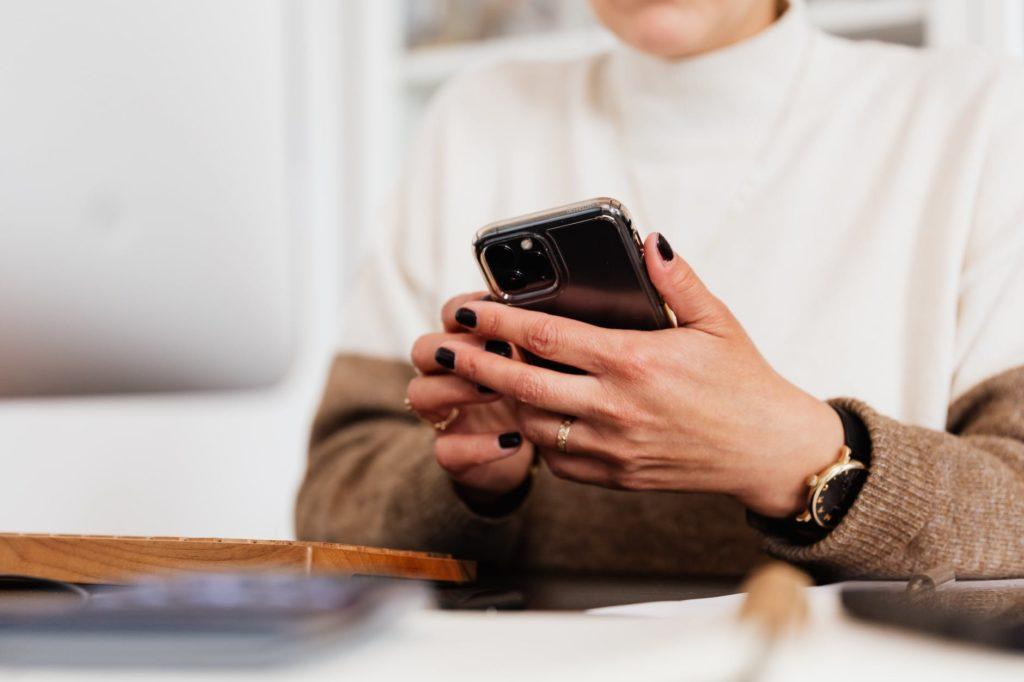 Snabbaste sättet att nå din målgrupp – skicka enkäten via sms